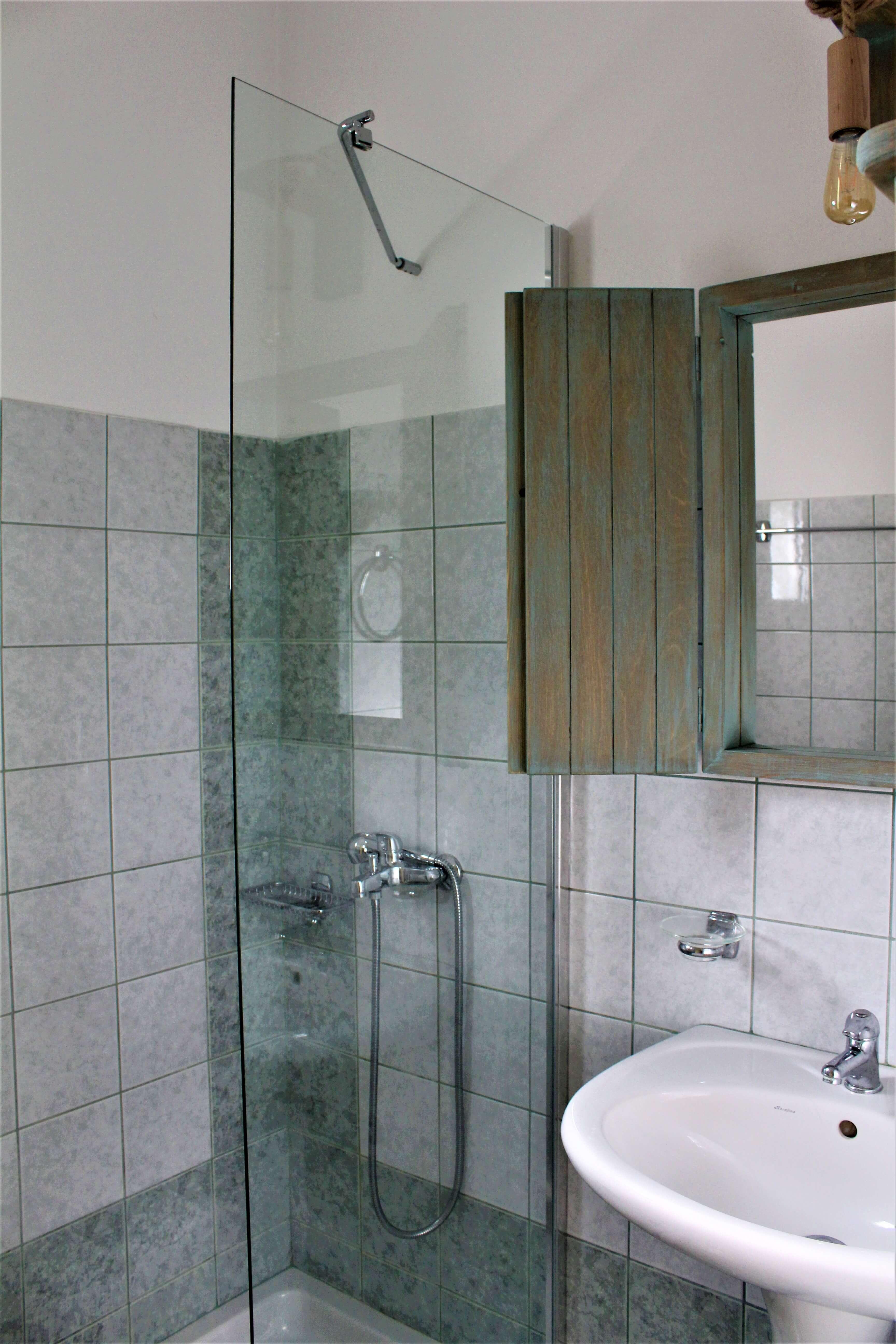 Oneira Villas Eirini bathroom